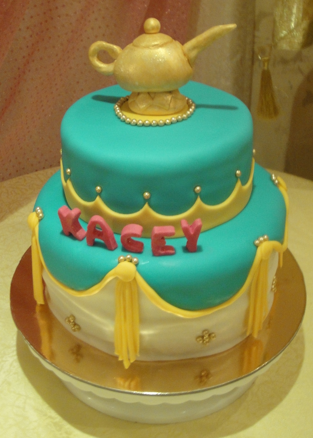 Arabian night themed birthday party chazsm for Arabian cake decoration